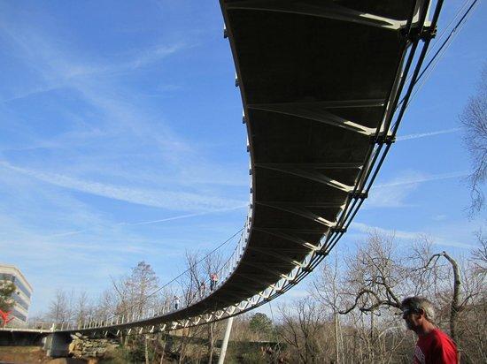 Falls Park am Reedy River: The bridge at Falls Park