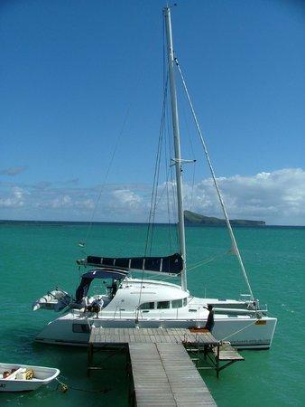 Paradise Cove Boutique Hotel: Hotel's catamaran - great trip