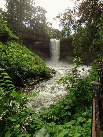 Minnehaha Park: Full-blown Minnehaha Falls!