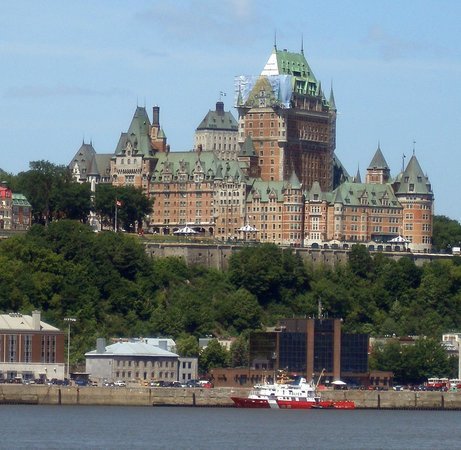 Old Quebec: The most photographed hotel in the world : Château Frontenac