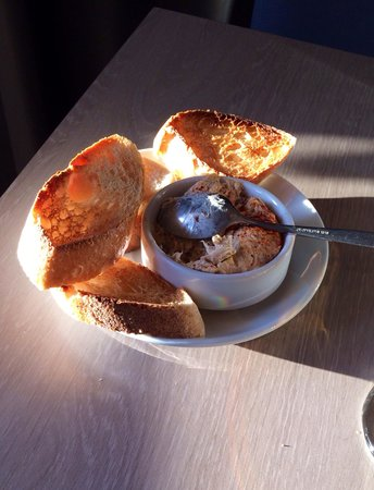 Tant qu'il y aura des bretons : Starter thon/baguettes grillées
