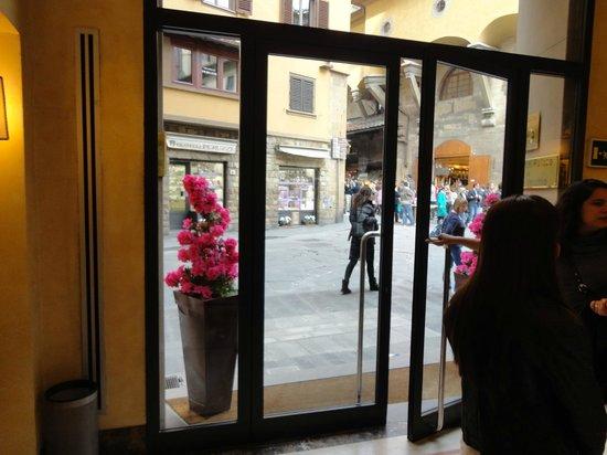Pitti Palace al Ponte Vecchio : Puerta