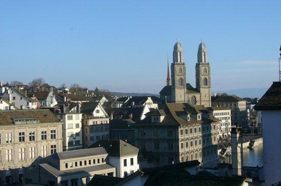 Altstadt: blick zum grossmuenster-oberdorf , richtung see