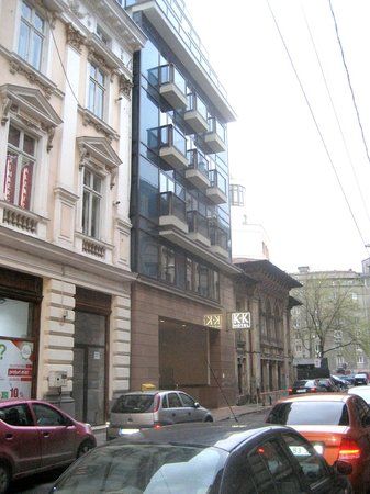 K+K Hotel Elisabeta: L'esterno dell'hotel su Via Slanic