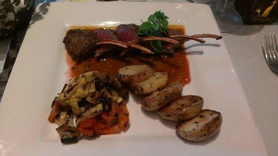 Desert Bistro: Peppered Venison rack with Yukon gold potatoes and vegetables