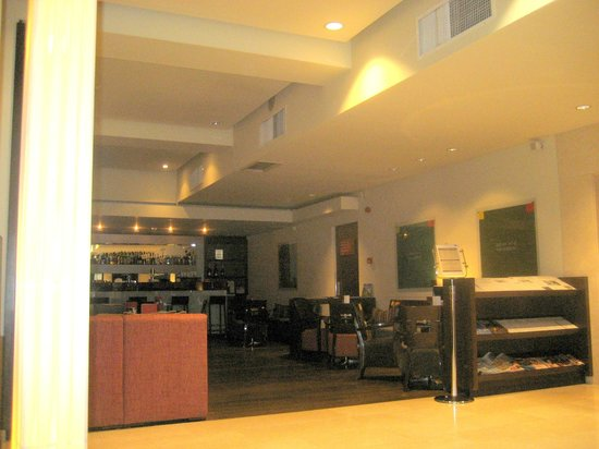 K+K Hotel Elisabeta: La zona bar e postazione internet