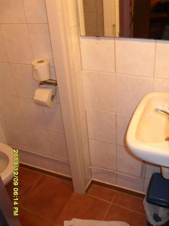 Hotel Nadia: mini bagno