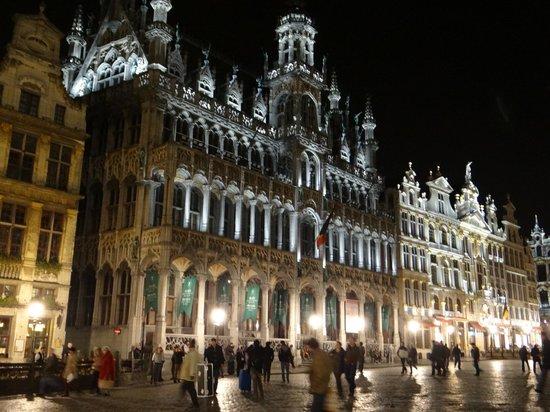 Grand Place/Grote Markt: Grand Place de Bruxelles la nuit (Photo CL)