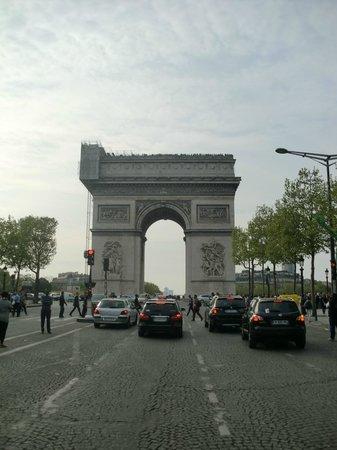 Arc de Triomphe : Bogen