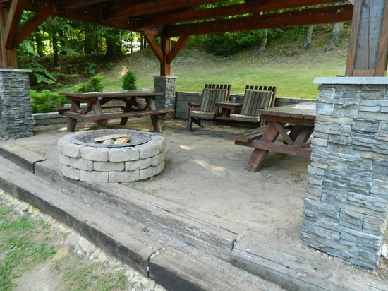 The Juliana: Fire pit