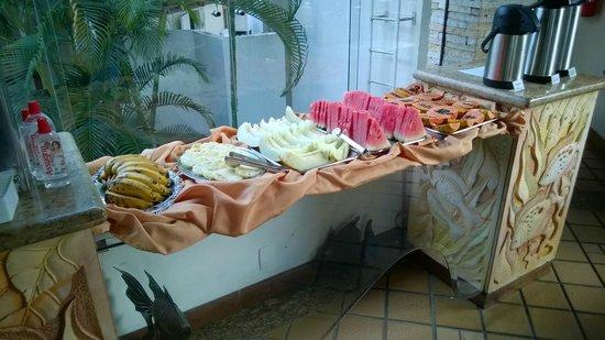 Quinta do Sol Praia Hotel: café da manhã