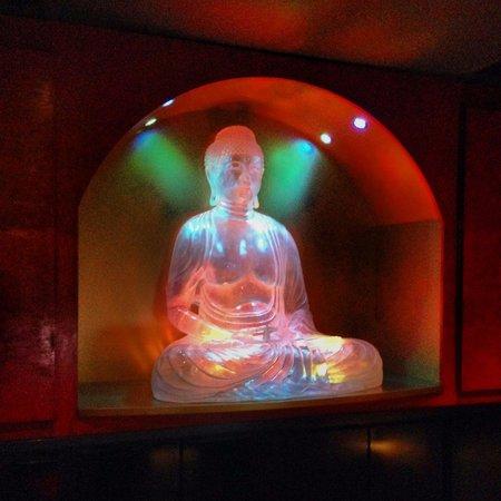 Buddha-Bar Hotel Prague: Hotel lobby
