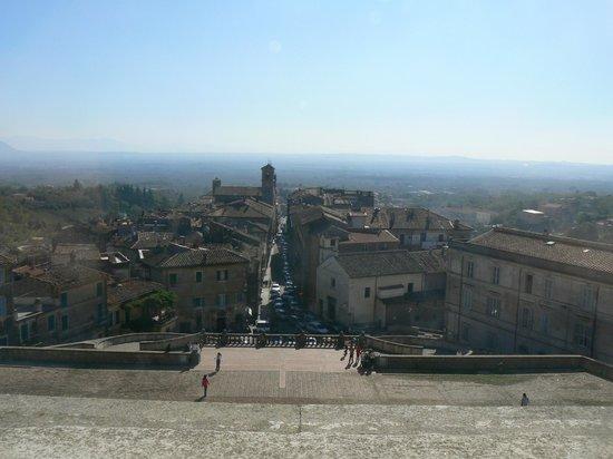 Vista del paese di Caprarola da Palazzo Farnese
