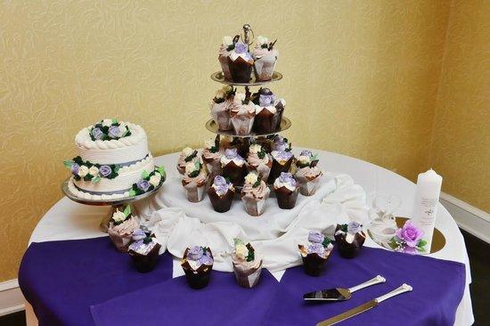 The Grand Hotel: Cake area