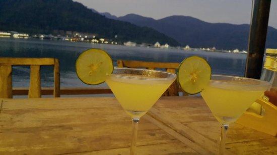 Nirvana Resort Koh Chang: Dinner on the deck Nirvana Resort