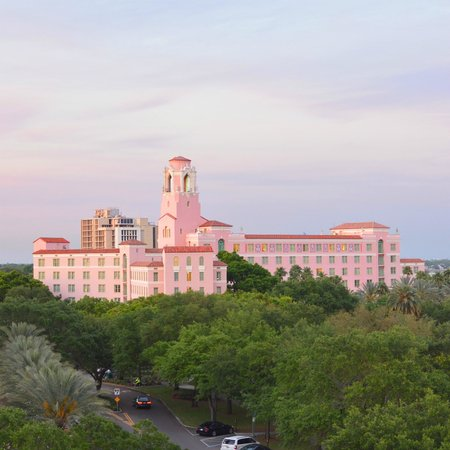 The Vinoy Renaissance St. Petersburg Resort & Golf Club : Vinoy at Sunset