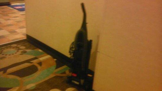 Hilton Garden Inn South Padre Island : mysterious vacuum