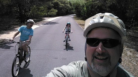 Fort Clinch State Park : Biking the main road
