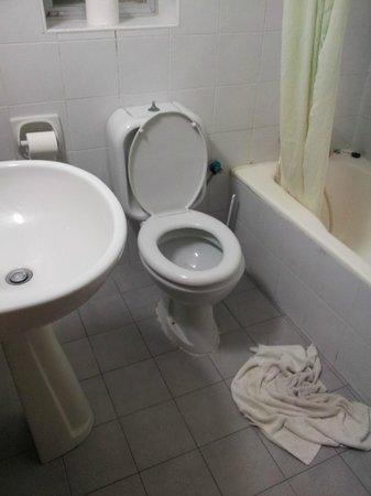 San Pawl Hotel: bathroom