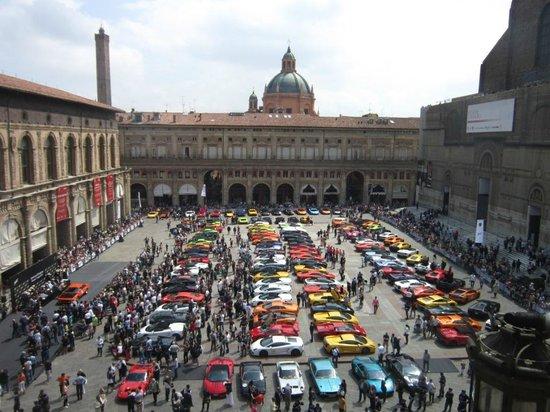 Piazza Maggiore (Lamborghini Day 2013)