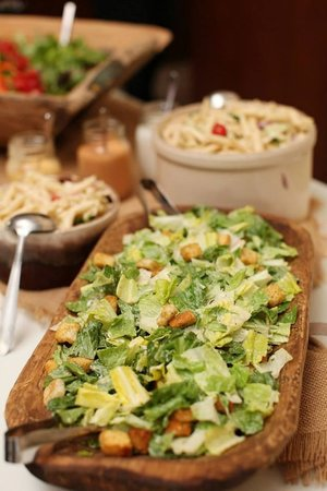 The Perfect Pear: Salad bar - Megan decorates each food table at weddings to pefection!
