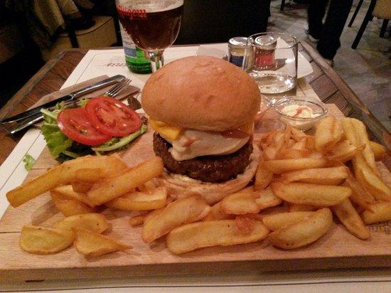 Biif Burger Ham & Pizza: Maxi Biif Burger.... :-)