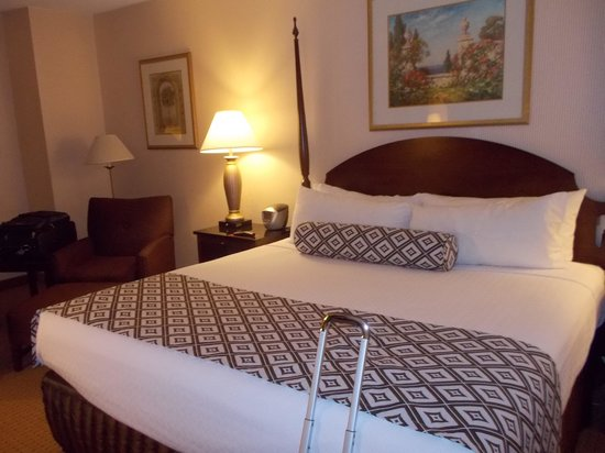 Crowne Plaza Washington National Airport: Great Bed