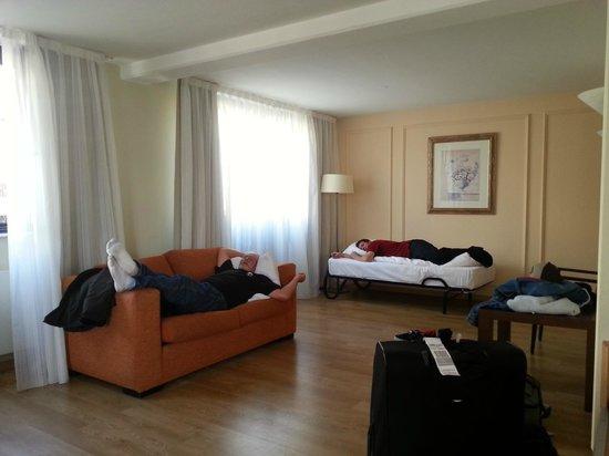 Hotel Regent: HUGE room