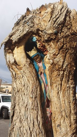 Albuquerque Old Town : Tree statue