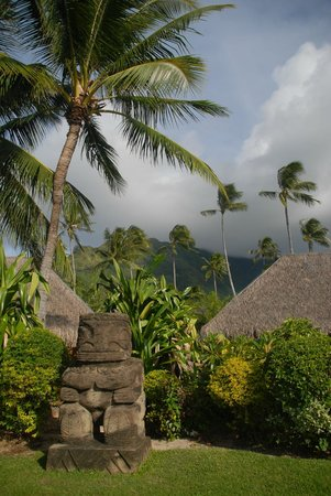 Manava Beach Resort & Spa - Moorea : view of mountains from grounds