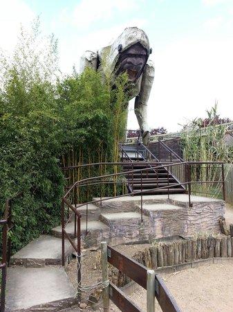 Cigoland - Parc des Cigognes et Attractions : Gare au gorille