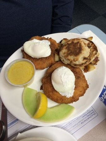 Maine Diner: Codfish Cakes