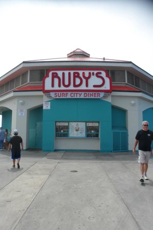 Ruby's Diner on the Huntington Pier