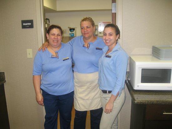 Hampton Inn & Suites Fort Myers Beach / Sanibel Gateway: Dining staff