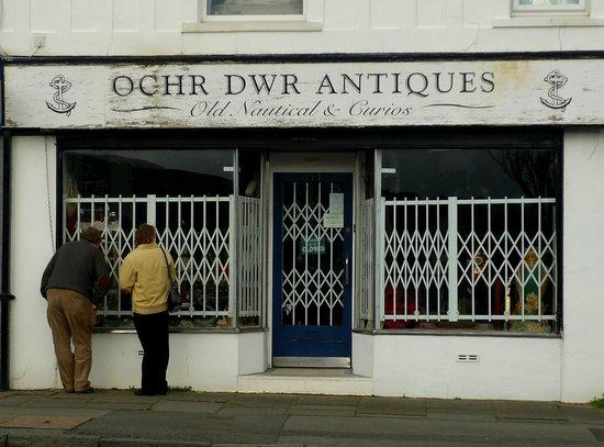 Deganwy, UK: Ochr Dwr Antiques, Deganwy