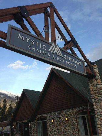 Mystic Springs Chalets & Hot Pools: Mystic Spring entrance