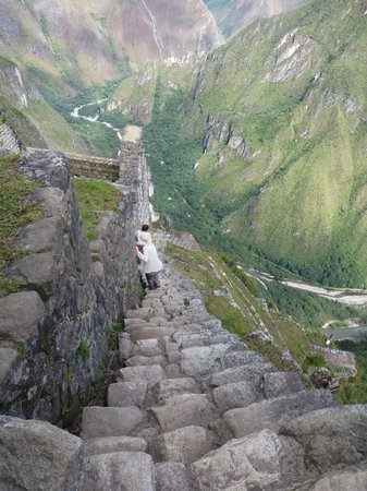 Huayna Picchu : Take Care on the Steps Down