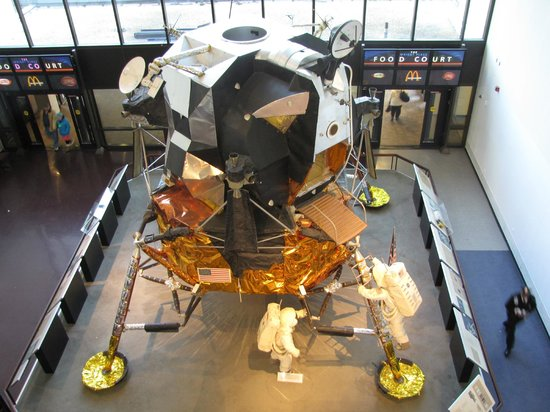 National Air and Space Museum: A spare lunar lander decked out as Apollo 11