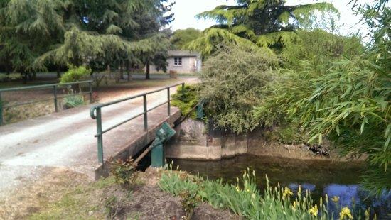 Moulin de Clabeau : Acces par le pont