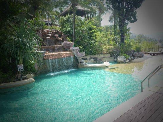 Centara Villas Phuket: lower pool
