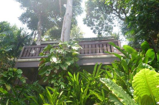 Centara Villas Phuket : view up to balcony