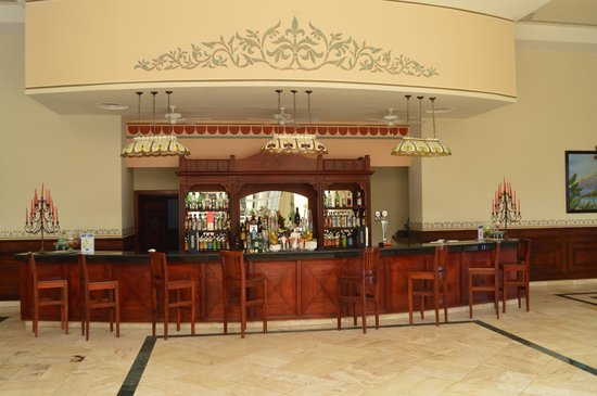 Luxury Bahia Principe Runaway Bay Don Pablo Collection: Lobby Bar