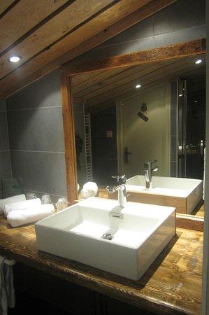 Chalet Hotel Le Collet : salle de bain