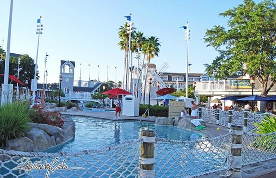 Disney S Yacht Club Resort Pools At And Beach Resorts