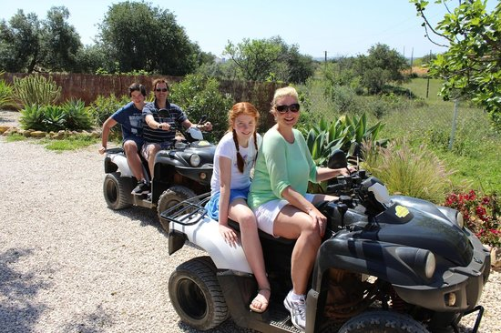 Quad Ventura : Quality time and fun with the kids