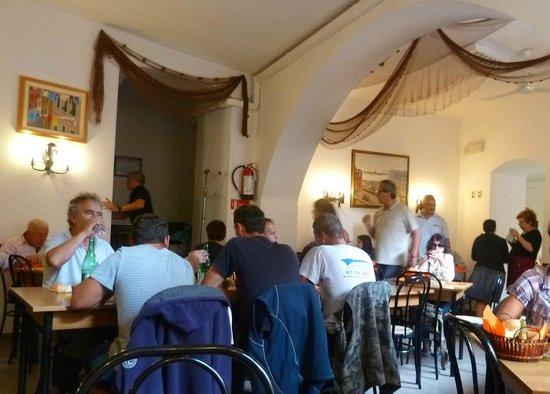 Trattoria da Pezzi : a fines de septiembre los lugareños hacen su aparición