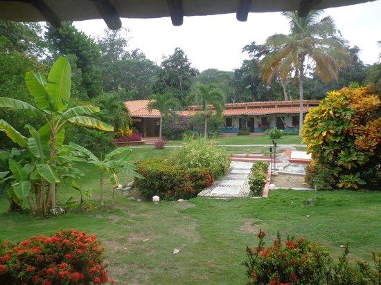 Hotel Posada La Bokaina: vista de la posada