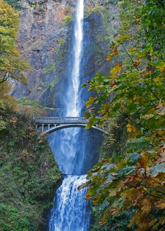 Columbia River Gorge National Scenic Area: Multnomah Falls