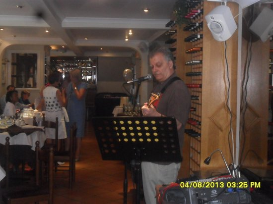 Bel Vedere Italian Restaurant: Tony Liotti - after lunch music