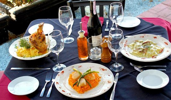 La Fontana Waterfront Grill & Pizzeria: Made to Order